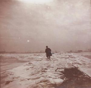 Ameide winter_de Lek_6_kruiend ijs a